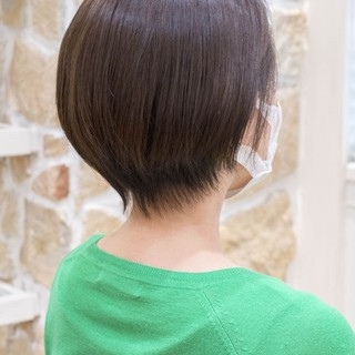 ショートボブ ナチュラル ハンサムショート ショート ヘアスタイルや髪型の写真・画像