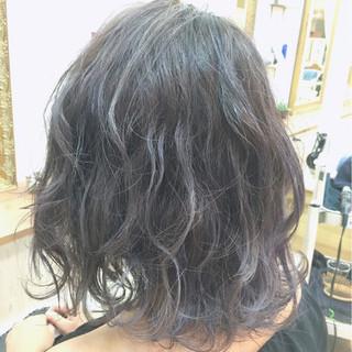 外国人風 アッシュ グレージュ ストリート ヘアスタイルや髪型の写真・画像