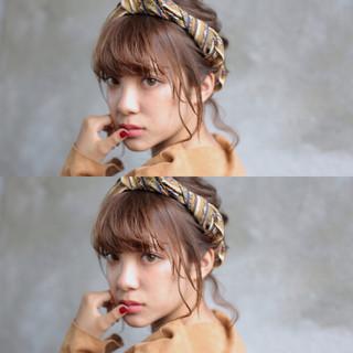 ゆるふわ ミディアム アンニュイ 謝恩会 ヘアスタイルや髪型の写真・画像