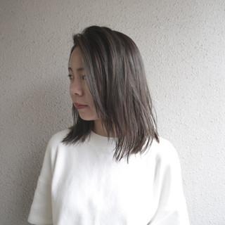 ふんわり ダブルカラー ナチュラル ヘアスタイルや髪型の写真・画像