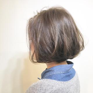 リラックス ブルーアッシュ ナチュラル 透明感 ヘアスタイルや髪型の写真・画像