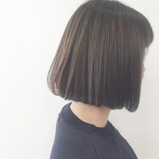 切りっぱなしボブ ショートボブ インナーカラー ミニボブ ヘアスタイルや髪型の写真・画像