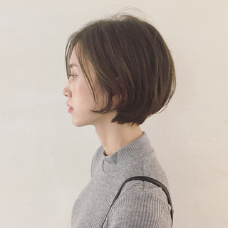 ショートボブ アッシュ イルミナカラー ショート ヘアスタイルや髪型の写真・画像