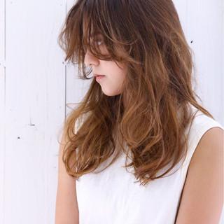 ハイトーン 外国人風 グラデーションカラー ナチュラル ヘアスタイルや髪型の写真・画像
