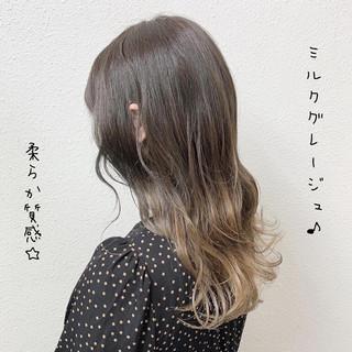 グレージュ ブリーチ ロング ミルクティーベージュ ヘアスタイルや髪型の写真・画像