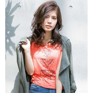 外国人風 セミロング ストリート 大人かわいい ヘアスタイルや髪型の写真・画像
