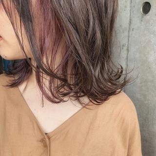 ブリーチ必須 ミディアム インナーカラー ピンクラベンダー ヘアスタイルや髪型の写真・画像