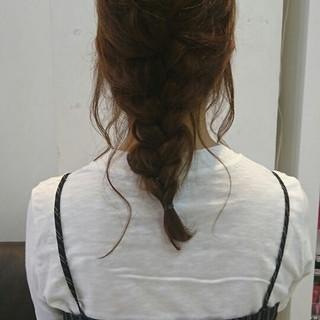 ヘアアレンジ セミロング 簡単ヘアアレンジ ナチュラル ヘアスタイルや髪型の写真・画像