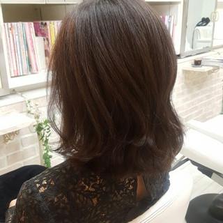 暗髪 アッシュ セミロング ナチュラル ヘアスタイルや髪型の写真・画像