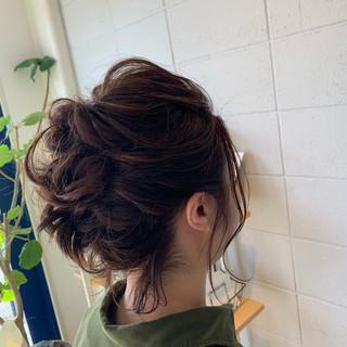 ブラウンベージュ ナチュラル ゆるウェーブ 簡単ヘアアレンジ ヘアスタイルや髪型の写真・画像