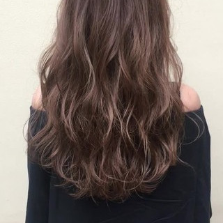 グレージュ 涼しげ 夏 色気 ヘアスタイルや髪型の写真・画像