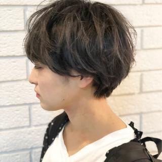 暗髪 ショート アッシュ アッシュグレー ヘアスタイルや髪型の写真・画像
