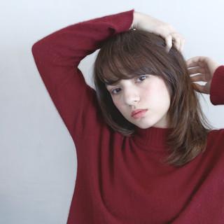 前髪あり アッシュ ゆるふわ フェミニン ヘアスタイルや髪型の写真・画像