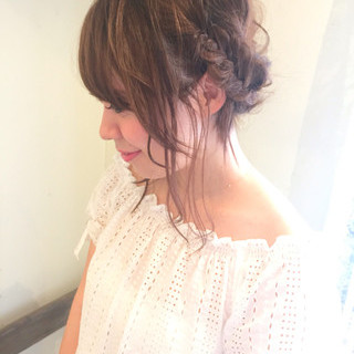 ヘアアレンジ ミディアム ヘアピン フェミニン ヘアスタイルや髪型の写真・画像