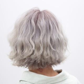ショート ブリーチ ストリート ハイトーン ヘアスタイルや髪型の写真・画像