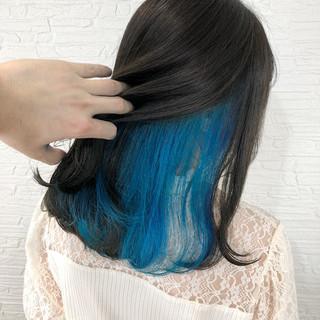 ターコイズブルー ネイビーブルー フェミニン インナーカラー ヘアスタイルや髪型の写真・画像