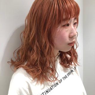 ガーリー ダブルカラー セミロング オレンジ ヘアスタイルや髪型の写真・画像