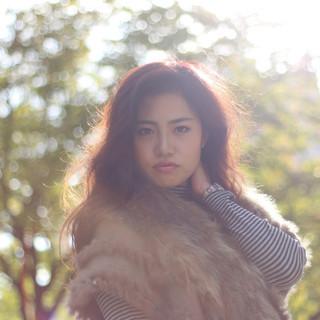 ミディアム 外国人風 フェミニン ナチュラル ヘアスタイルや髪型の写真・画像
