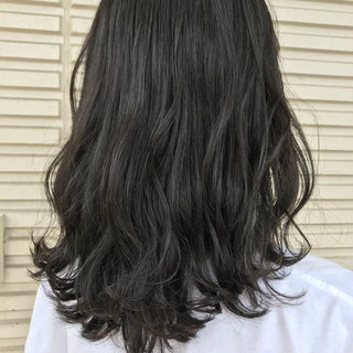 アッシュ ガーリー 暗髪 グレー ヘアスタイルや髪型の写真・画像