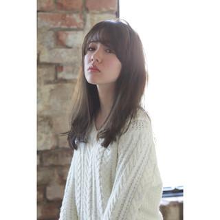透明感 ミルクティー 大人女子 小顔 ヘアスタイルや髪型の写真・画像
