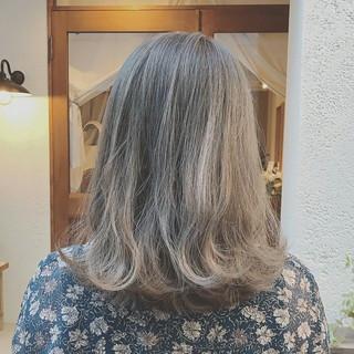 ハイライト 外ハネ 冬 大人かわいい ヘアスタイルや髪型の写真・画像
