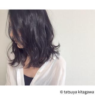 色気 アッシュ ミディアム パーマ ヘアスタイルや髪型の写真・画像