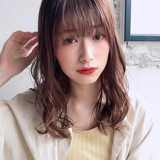 デジタルパーマ ミディアム アンニュイほつれヘア デート ヘアスタイルや髪型の写真・画像