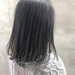 ミディアム エレガント アウトドア アンニュイほつれヘア ヘアスタイルや髪型の写真・画像