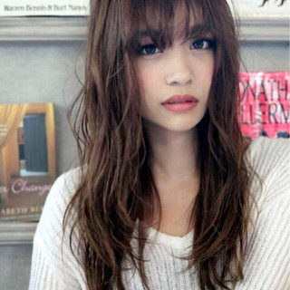 前髪あり フェミニン ナチュラル 外国人風 ヘアスタイルや髪型の写真・画像