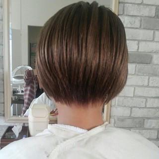 グレージュ 秋 ナチュラル ストレート ヘアスタイルや髪型の写真・画像