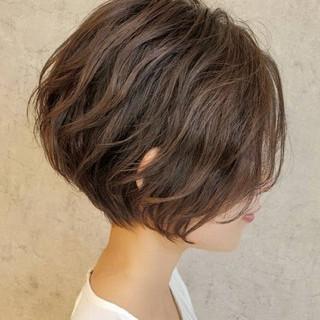 ショート インナーカラー ナチュラル ショートボブ ヘアスタイルや髪型の写真・画像