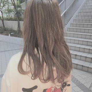 ミルクティーグレージュ ヌーディベージュ ロング グレージュ ヘアスタイルや髪型の写真・画像