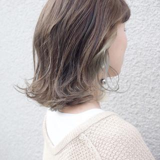 ハイライト グレージュ ボブ 外国人風カラー ヘアスタイルや髪型の写真・画像