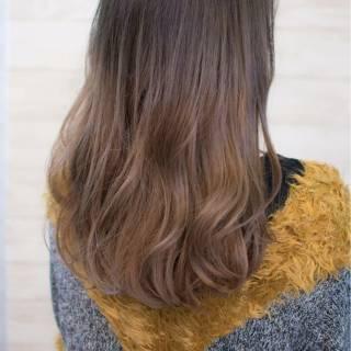 セミロング グラデーションカラー 冬 大人女子 ヘアスタイルや髪型の写真・画像