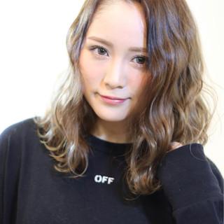 ハイライト 艶髪 外国人風カラー ミディアム ヘアスタイルや髪型の写真・画像