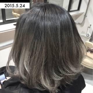 ボブ ゆるふわ グラデーションカラー グレー ヘアスタイルや髪型の写真・画像