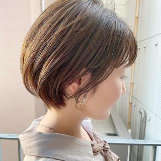 ショートボブ ナチュラル ショートヘア デート ヘアスタイルや髪型の写真・画像
