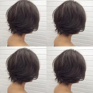 アンニュイ ボブ グレージュ ウェーブ ヘアスタイルや髪型の写真・画像