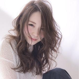 女子会 グレージュ セミロング 外国人風 ヘアスタイルや髪型の写真・画像