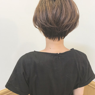 ショート 色気 大人女子 オフィス ヘアスタイルや髪型の写真・画像