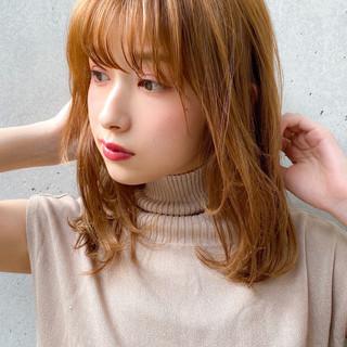 オリーブベージュ ヘアアレンジ 透明感カラー セミロング ヘアスタイルや髪型の写真・画像