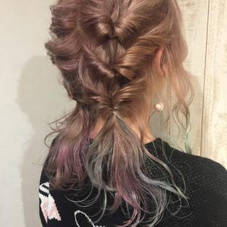フリンジバング 簡単ヘアアレンジ デート ガーリー ヘアスタイルや髪型の写真・画像