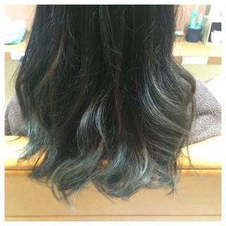 外国人風 ナチュラル セミロング グラデーションカラー ヘアスタイルや髪型の写真・画像