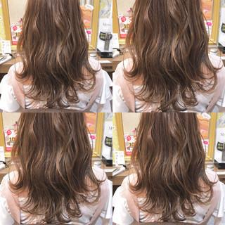 ミルクティー ハイライト アッシュ 透明感 ヘアスタイルや髪型の写真・画像