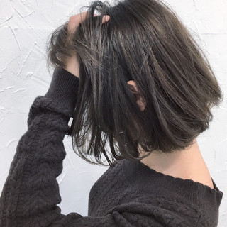 パープル グレージュ ストリート アッシュ ヘアスタイルや髪型の写真・画像