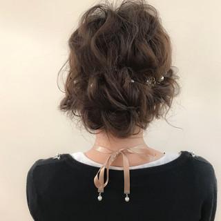 ナチュラル ヘアアレンジ 謝恩会 結婚式 ヘアスタイルや髪型の写真・画像