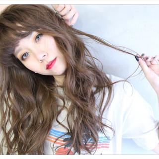 前髪あり ミルクティー 外国人風 ロング ヘアスタイルや髪型の写真・画像