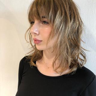 モード ミディアム バレイヤージュ レイヤーカット ヘアスタイルや髪型の写真・画像