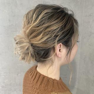 ヘアセット ミディアム 簡単ヘアアレンジ ナチュラル ヘアスタイルや髪型の写真・画像