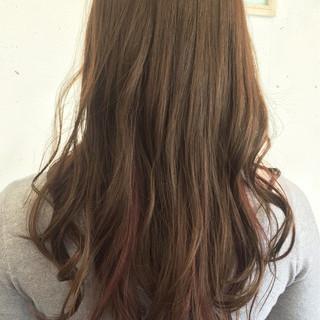 セミロング インナーカラー ガーリー 外国人風 ヘアスタイルや髪型の写真・画像